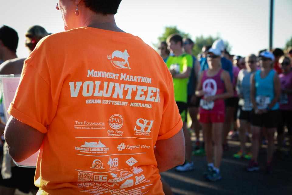 wncc volunteer at monument marathon